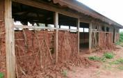 Vorher: Wenn die Farmhäuser verlassen sind, zerfallen sie im Regen und...
