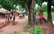(1) Nejvíce potřebují pomoci na venkově